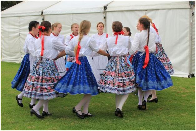 Hungarian dance from Magyarbőd