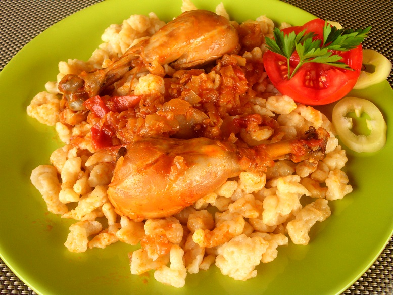 Hungarian stew with chicken